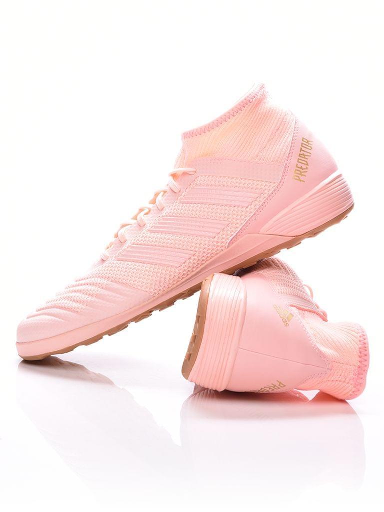 Outlet Store Cipő foci cipő terembe e08aa40eb4